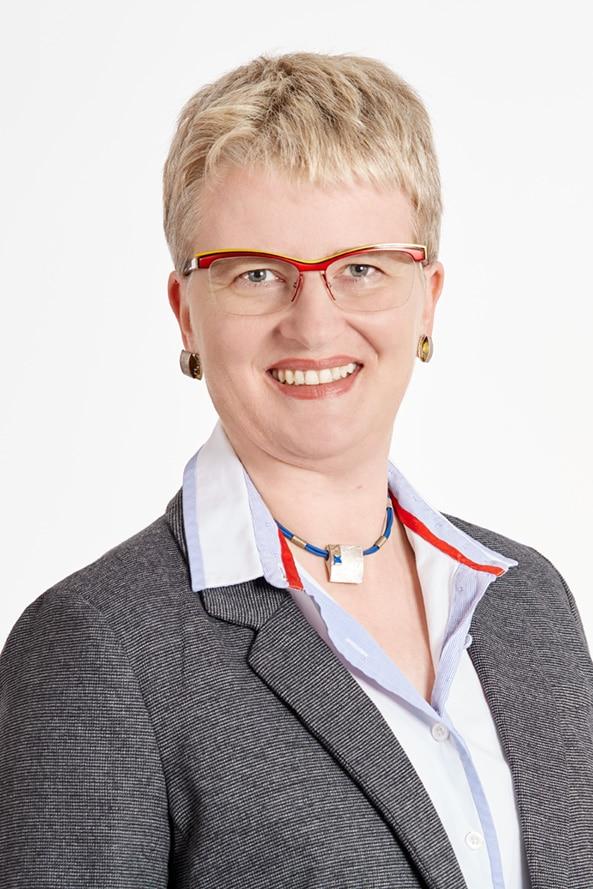 Claudia Eberle Pro Augsburg Stadtratsmitglied Bergheim EDV Trainerin Ökonomin selbsständig